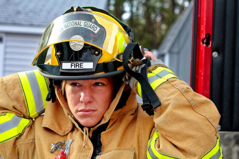 woman-fire-fighter-958266_1920